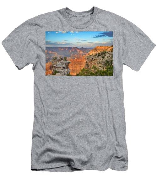 South Rim Men's T-Shirt (Athletic Fit)