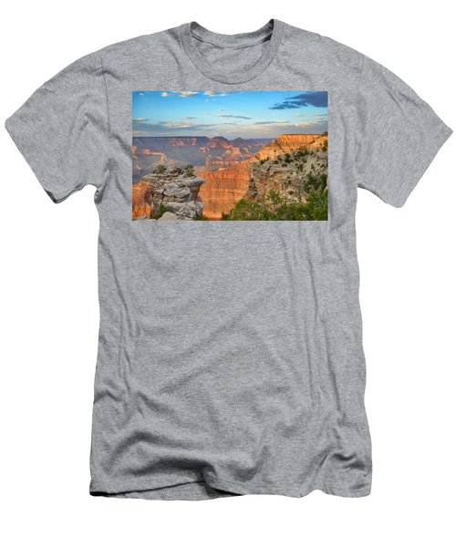 South Rim Men's T-Shirt (Athletic Fit)