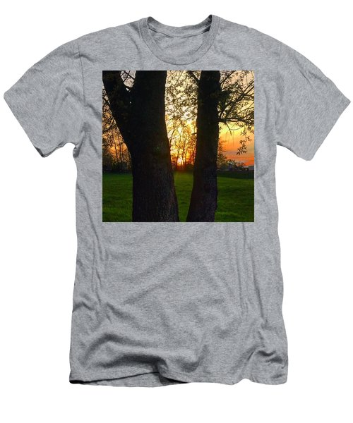 Spring Sunset 2018 Men's T-Shirt (Athletic Fit)