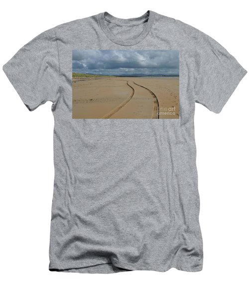 Srah Beach Claggan Island Men's T-Shirt (Athletic Fit)