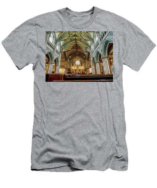 St Dunstan's Cathedral  Men's T-Shirt (Athletic Fit)