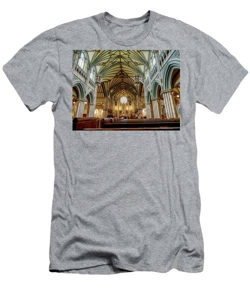 St Dunstan's Cathedral  Men's T-Shirt (Athletic Fit)