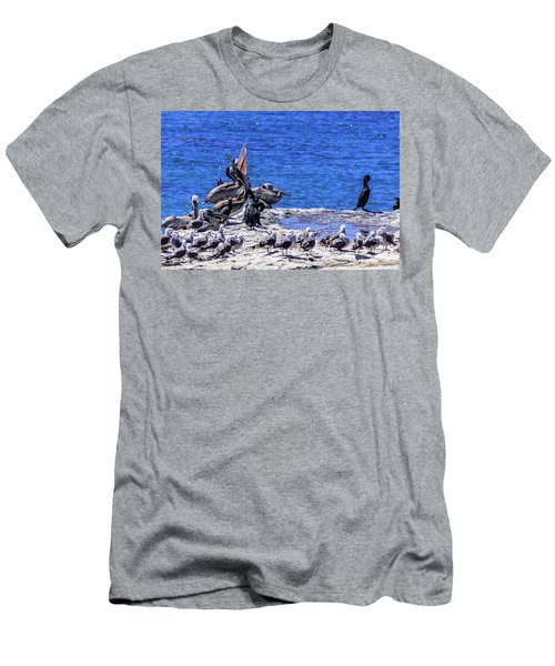 Pelican Sticking His Neck Out Men's T-Shirt (Athletic Fit)