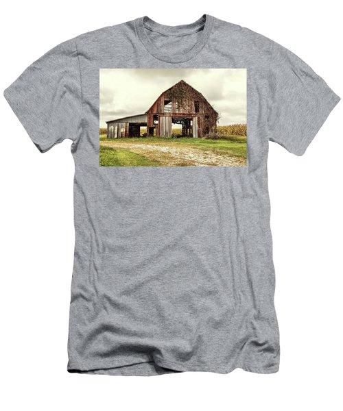 Still Standing Ohio Barn  Men's T-Shirt (Athletic Fit)