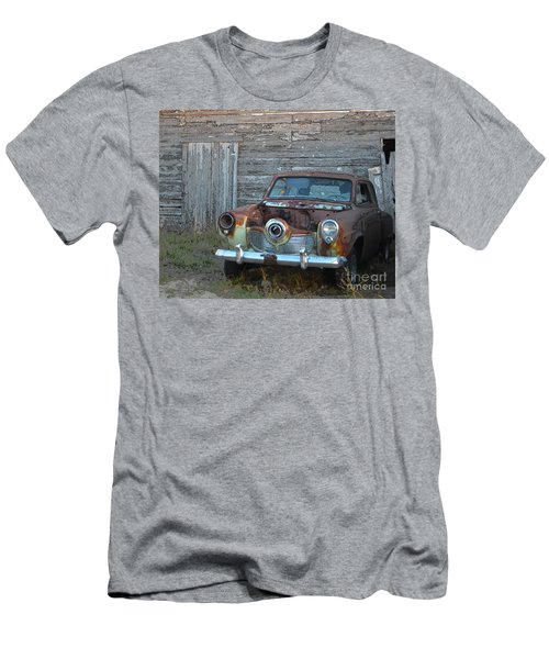 Studebaker Sitting Men's T-Shirt (Athletic Fit)