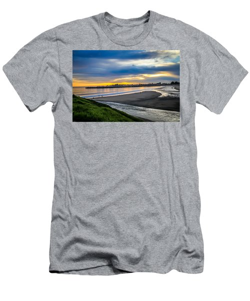 Sunset At The Rivermouth Men's T-Shirt (Athletic Fit)