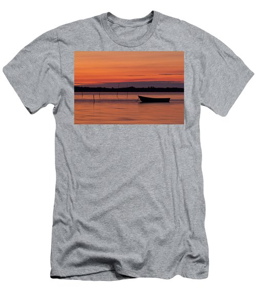 Sunset Boat Men's T-Shirt (Athletic Fit)