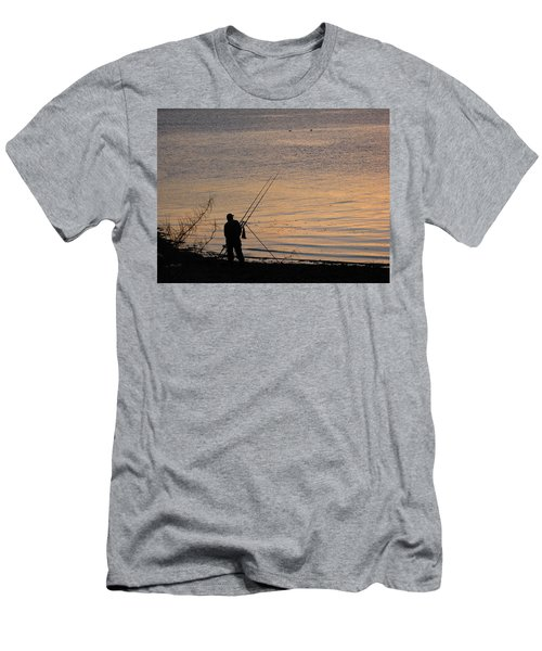 Sunset Fishing On The Loch Men's T-Shirt (Athletic Fit)