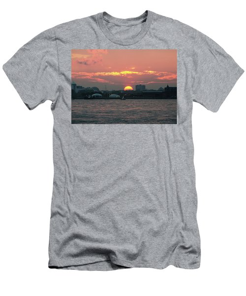 Sunset Nyc Harbor Men's T-Shirt (Athletic Fit)