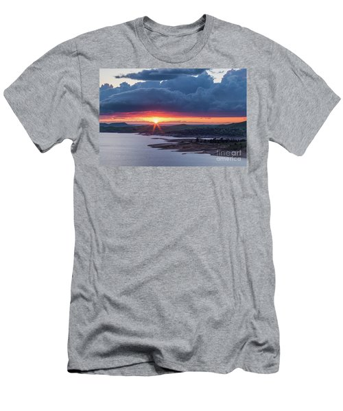 Sunset Over Millerton Lake  Men's T-Shirt (Athletic Fit)