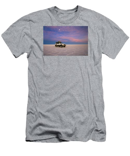 Lake Uyuni Sunset With Car Men's T-Shirt (Athletic Fit)