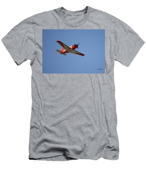 T34 Mentor Trainer Flying Men's T-Shirt (Athletic Fit)