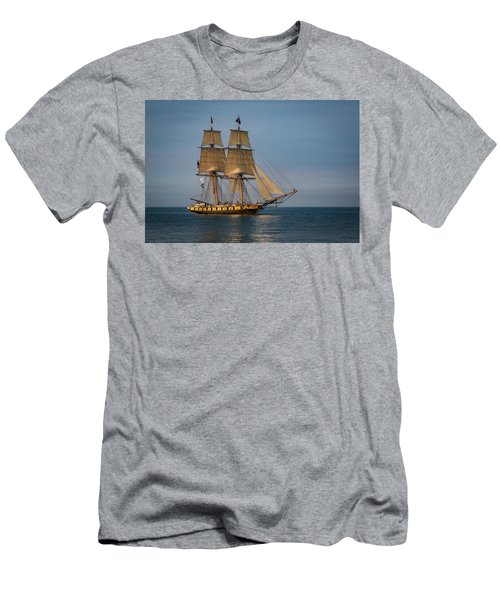 Tall Ship U.s. Brig Niagara Men's T-Shirt (Athletic Fit)