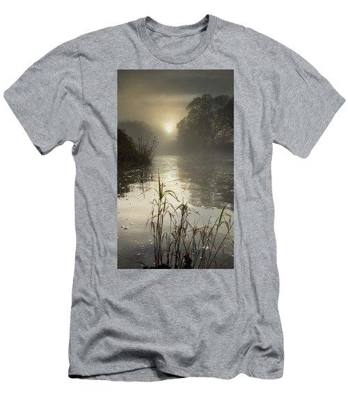 Tamar River Winter  Sunrise, Uk Men's T-Shirt (Athletic Fit)