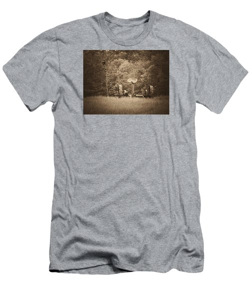 A Farmer's Field Men's T-Shirt (Athletic Fit)