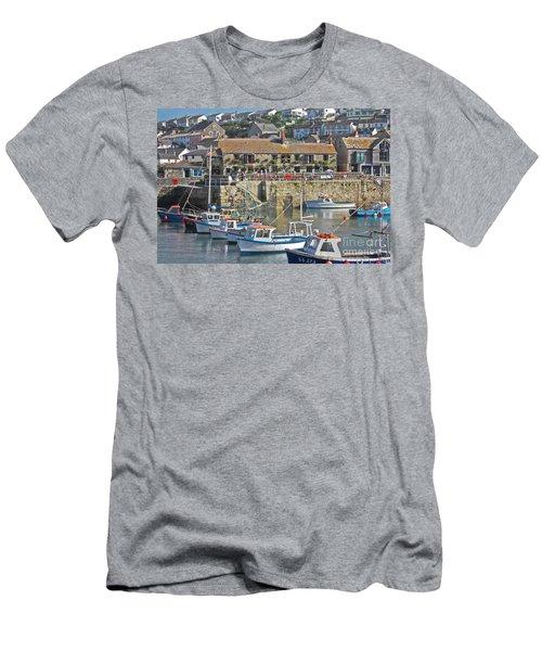 The Harbour Inn Porthleven Men's T-Shirt (Athletic Fit)