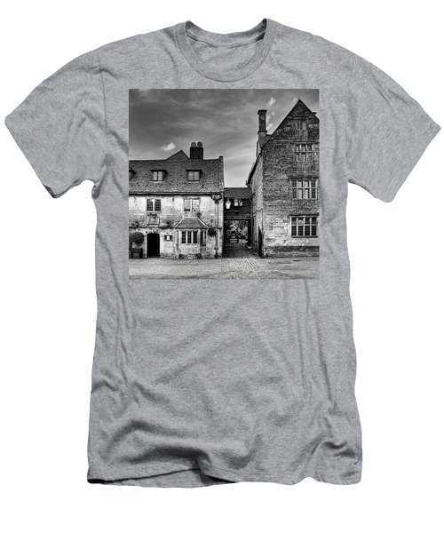 The Lygon Arms, Broadway Men's T-Shirt (Athletic Fit)