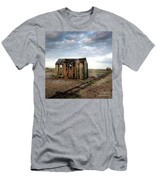 The Net Shack, Dungeness Beach Men's T-Shirt (Athletic Fit)
