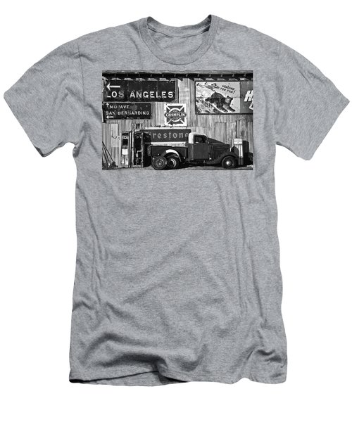 This Way To L.a. Men's T-Shirt (Athletic Fit)