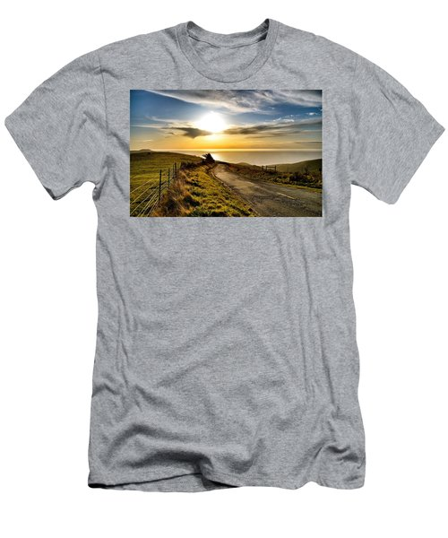 Towards The Sunset Men's T-Shirt (Athletic Fit)