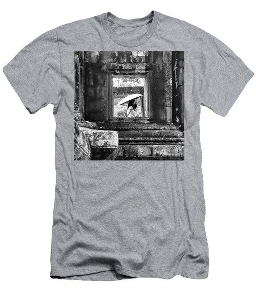 Umbrella Angkor Wat  Men's T-Shirt (Athletic Fit)