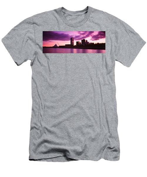 Usa, Wisconsin, Milwaukee, Milwaukee Men's T-Shirt (Athletic Fit)