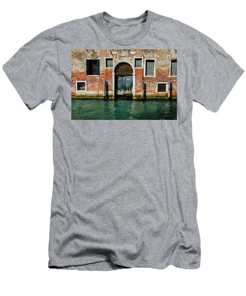 Venetian House On Canal Men's T-Shirt (Athletic Fit)