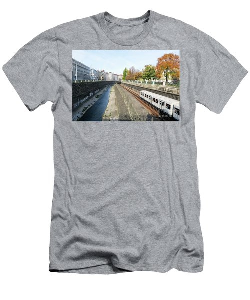 Vienna Canal Men's T-Shirt (Athletic Fit)
