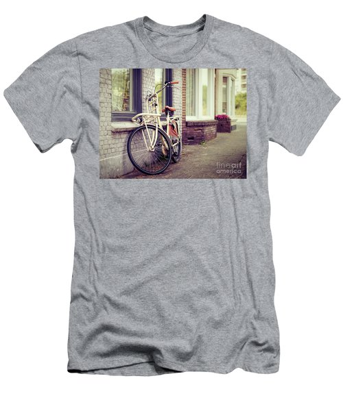 Vintage Bike Men's T-Shirt (Athletic Fit)