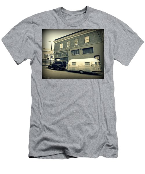Vintage Trailer In Crockett Men's T-Shirt (Athletic Fit)