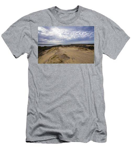 Walking Dunes Montauk Men's T-Shirt (Athletic Fit)