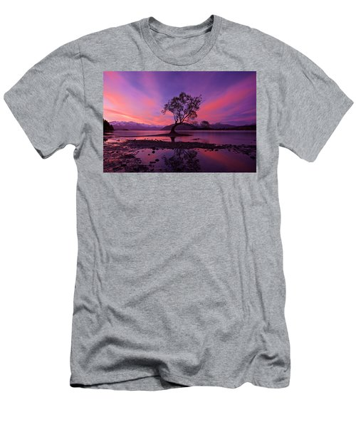 Wanaka Tree Men's T-Shirt (Athletic Fit)