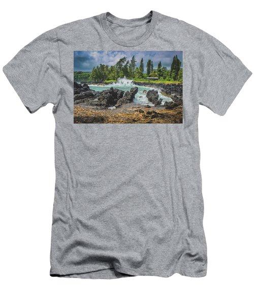 Waves Crashing Kawee Point Men's T-Shirt (Athletic Fit)
