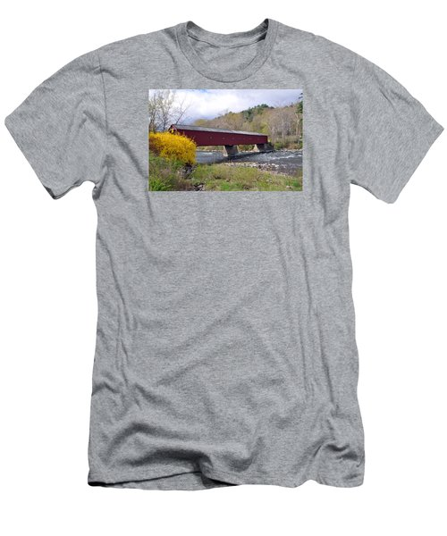 West Cornwall Ct Covered Bridge Men's T-Shirt (Athletic Fit)