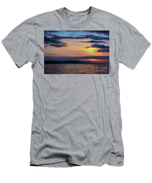 Weymouth Esplanade Sunrise Men's T-Shirt (Athletic Fit)