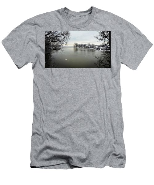 Winter In Quebec Men's T-Shirt (Athletic Fit)