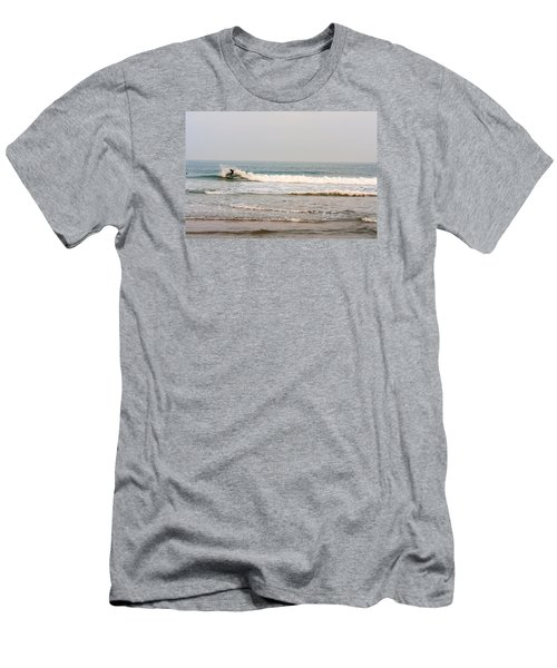 Winter Surfer Men's T-Shirt (Athletic Fit)
