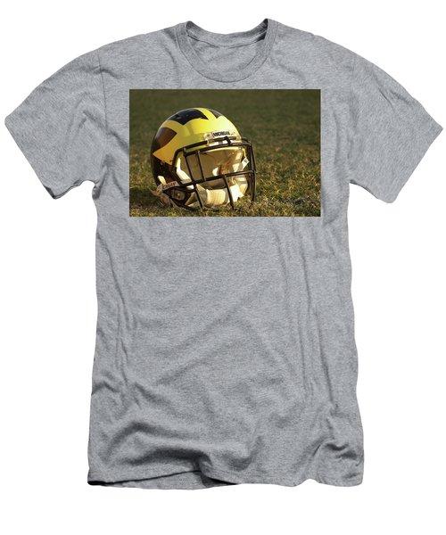 Wolverine Helmet In Morning Sunlight Men's T-Shirt (Athletic Fit)