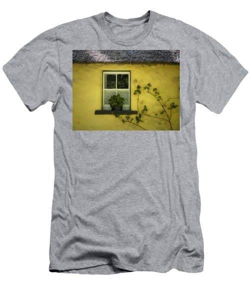 Yellow House County Clare Ireland Men's T-Shirt (Athletic Fit)