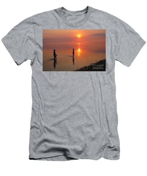 Young Fishermen At Sunset Men's T-Shirt (Athletic Fit)