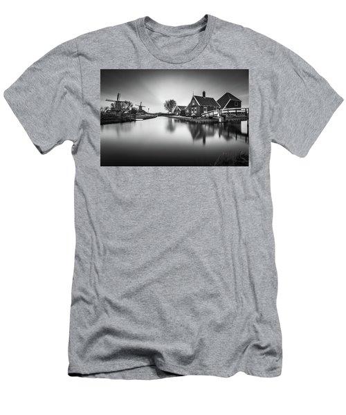 Zaanse Schans Men's T-Shirt (Athletic Fit)