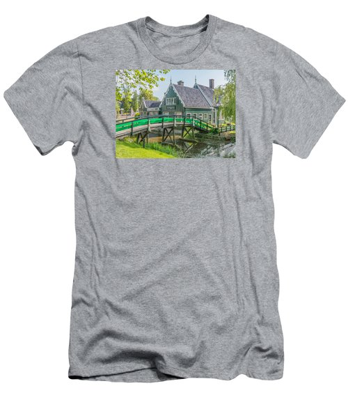 Zaanse Schans Village Men's T-Shirt (Athletic Fit)