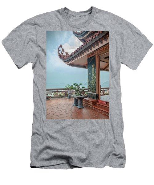 Cai Bay Padoga Men's T-Shirt (Athletic Fit)