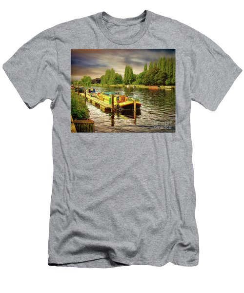 River Work Men's T-Shirt (Athletic Fit)