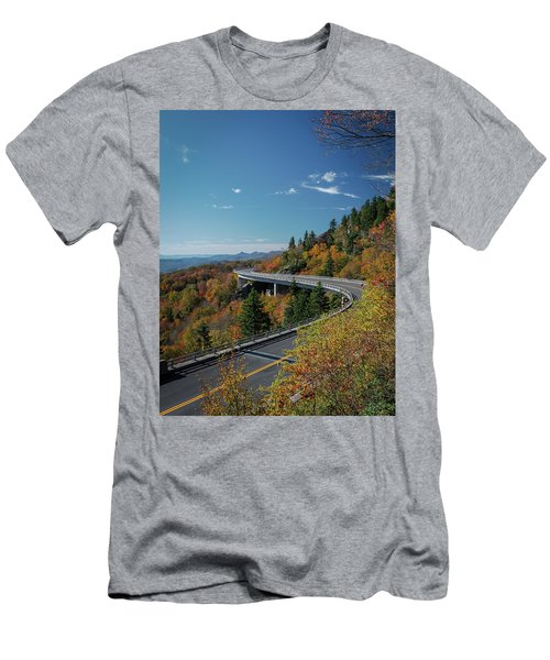 Linn Cove Viaduct - Blue Ridge Parkway Men's T-Shirt (Athletic Fit)