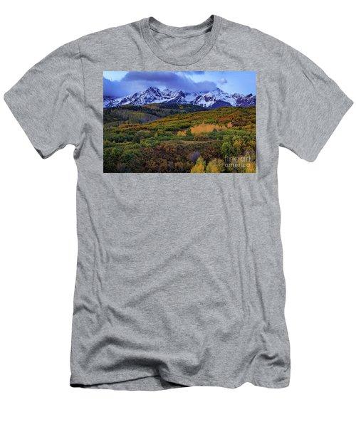 Autumn At The Dallas Divide Men's T-Shirt (Athletic Fit)
