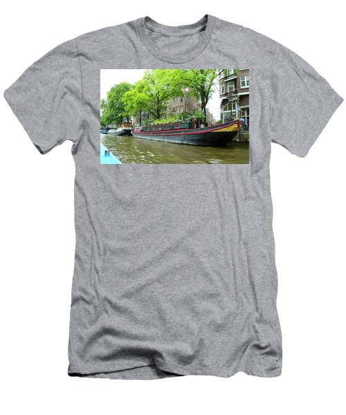 Canal Boats In Amsterdam - 2 Men's T-Shirt (Athletic Fit)