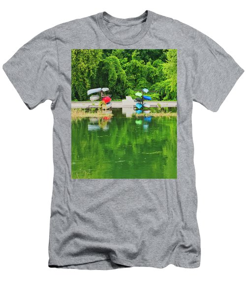 Canoes - Yahara River - Madison Men's T-Shirt (Athletic Fit)