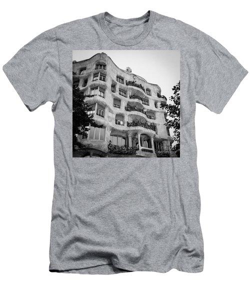 Casa Mila Men's T-Shirt (Athletic Fit)