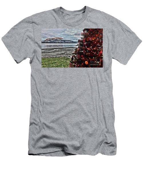Christmas View Men's T-Shirt (Athletic Fit)